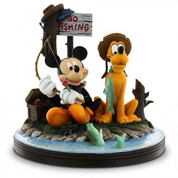 b643e9950c0ab8 Mickey Mouse and Pluto