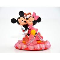 Disneyland Paris Mickey and Minnie valentines Figurine