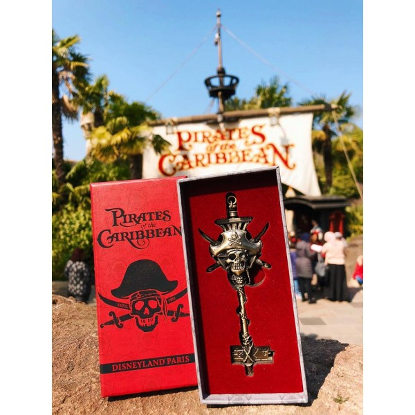 Limited Edition Pirates of the Caribbean Key, Disneyland Paris