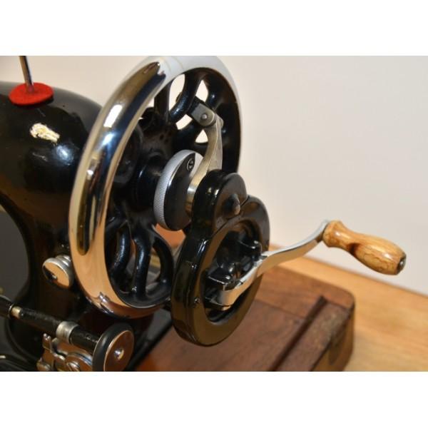 vintage singer crank sewing machine