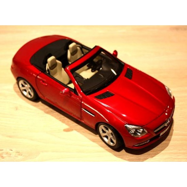 1:18 Mercedes-Benz SLK-Class (Original Mercedes-Benz box)